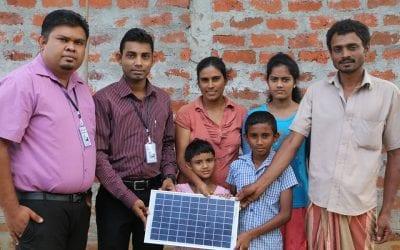 දින 2ක් ඇතුලත පවුල් 10ක ජීවිත ආලෝකමත් කල ෆේස්බුක් මිතුරෝ   Project Donate a Light, Create a Bright